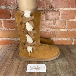 Kookaburra by UGG Victoria Tall Boots Youth Size 2